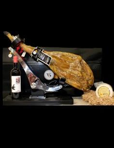 Lote de productos ibéricos: jamon de cebo 50% raza iberica, queso de los ibores y vino rueda